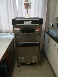 Bazarový zmrzlinovač ElectroFreeze FM 8 SUPER CENA: 80.000,- KČ BEZ DPH!!!