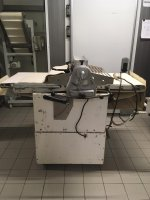 rozvalovaci-stroj-na-testo-bazarovy